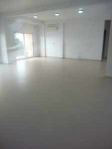 Very spacious living / dining area with balcony